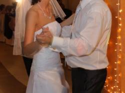Sprzedam niezwykle kobiecą i zwiewną suknię ślubną