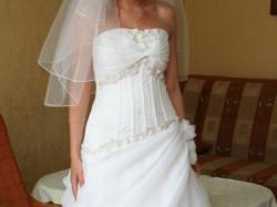 Sprzedam pięką sukne ślubną