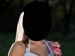 Sprzedam piękiną i delikatną białą jednoczęściową suknię ślubną r.36/38