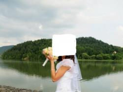 Sprzedam piękną białą suknie .