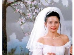 Sprzedam piękna białą suknię ślubną .