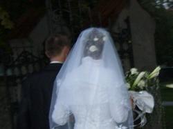 Sprzedam piękną i elegancką suknię ślubną 2008 r ,białą,