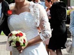 Sprzedam piekną klasyczną suknię ślubną