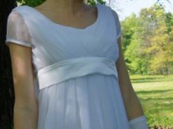 """Sprzedam piękną, skromną suknię ślubną """"józefinkę"""""""