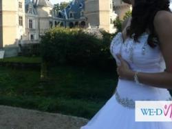 Sprzedam piękną suknię, 2 metry trenu odpinanego na zamek