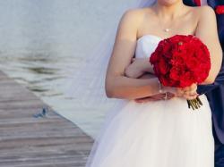 Sprzedam piękną suknię ślubną + 2 welony!