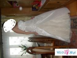 sprzedam piękna suknie ślubną 42-44 futerko i buty za 700zł