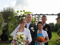 sprzedam piękną suknie ślubna.....