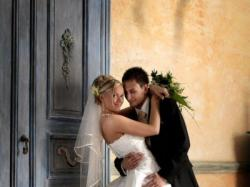 sprzedam piękną suknię ślubną firmy vivien vigo model saranna