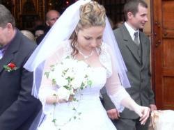 Sprzedam piękną suknie ślubną-Rossa