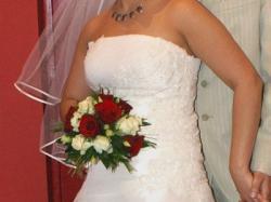 Sprzedam piękną suknię ślubną z dodatkami