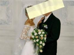 sprzedam piękną suknie ślubną z kolekcji 2008/2009.Kolor ecri, rozm 36/38