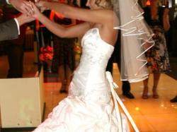 Sprzedam piękną suknię ślubną z kryształkami