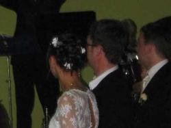Sprzedam piękną suknię ślubną zdobioną kryształkami Swarovskiego