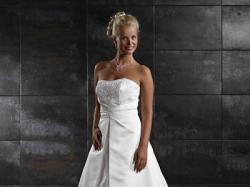Sprzedam piękną suknię z kolekcji Tres chic 2009 model SN2804D- salon  Madonna