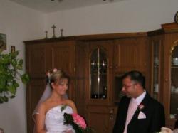 Sprzedam  pilnie tanio suknie ślubną.