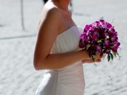 Sprzedam PROSTĄ ELEGANCKĄ suknię ślubną