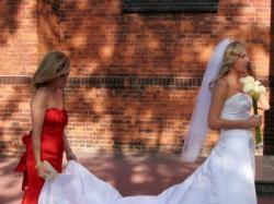 Sprzedam prosta i piękna suknię ślubną
