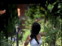 Sprzedam przepiękną i zmysłową koronkową suknię ślubną wykładaną kryształami sva