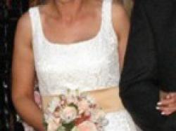 Sprzedam przepiękną suknię ślubną z Madonny