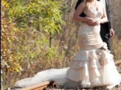 Sprzedam przepiękną suknię z salonu Urszula Mateja 604 roz. 38