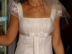 Sprzedam romantyczną, delikatną suknie ślubną, styl Empire.