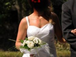Sprzedam skromną ale elegancką suknię ślubną rozm. 38