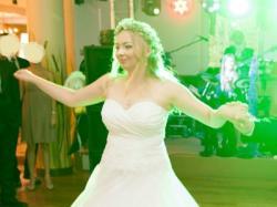 Sprzedam skromną suknie ślubną - lit.A