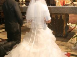 Sprzedam śliczną białą suknię ślubna w rozmiarze 38/40