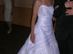 Sprzedam śliczną białą  suknię ślubną34/36