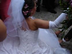 Sprzedam śliczną białą suknię, wygodną i czarującą