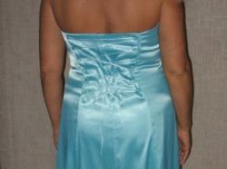 sprzedam śliczną błękitną suknię