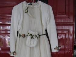 Sprzedam śliczną sukienkę komunijną na 145-150cm