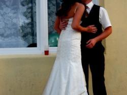 Sprzedam śliczną sukienke ślubna rozmiar 40