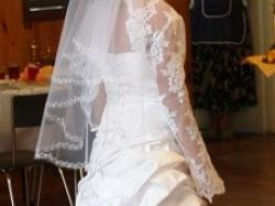 Sprzedam śliczną suknię ślubną roz 36-38