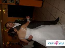 Sprzedam śliczną suknię ślubną rozm.38-40, szyta na miarę.