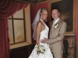 Sprzedam śliczną suknię ślubną z salonu Lisa Ferrera.
