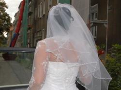 Sprzedam śliczną suknie z kryształkami swarovskiego! tanio- wyszczuplająca