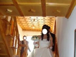 sprzedam śmietankową suknię ślubną ozdobioną koroną z dodatkiem  srebra