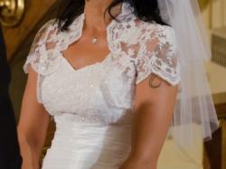 Sprzedam śnieżnobiałą suknię ślubną + gratisy!