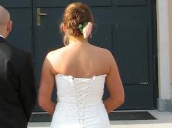 Sprzedam subtelną suknię ślubną koloru ecru