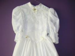Sprzedam sukienke komunijna haft angielski