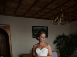 Sprzedam sukienkę ślubną australijskiej firmy WINGS rozmiar 36/38 kolekcja 2o11