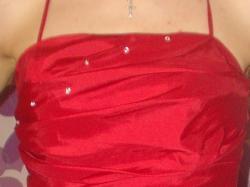 Sprzedam sukienkę w kolorze czerwonym