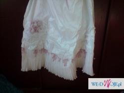Sprzedam suknie biała  różowe dodatki!!+ rękawiczki i welon
