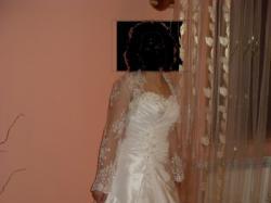 Sprzedam suknię- kolor ecru- rozmiar 38