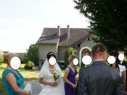 Sprzedam suknię ślubną.