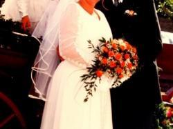 Sprzedam suknię ślubną - 46