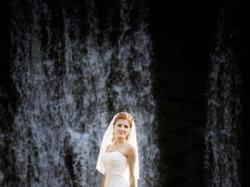 sprzedam suknię ślubną brytyjskiego projektanta