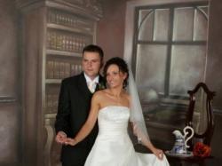 Sprzedam suknię ślubną ekri, jednoczęściową, rozmiar 36, wzrost 165cm.